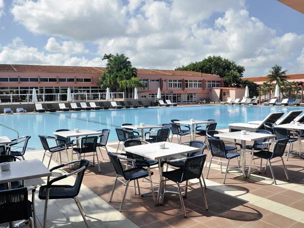 Bravo club hotel arenal voyages destination - Bureau de change aeroport de montreal ...