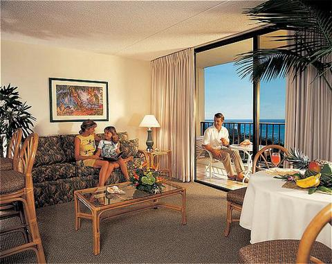 Aston Waikiki Sunset suite 4