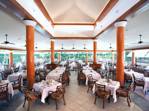 Barcelo Maya Beach Resort restaurant