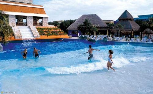 Iberostar Paraiso Maya piscine à vagues