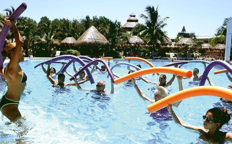 Iberostar Tucan Quetzal activites a la piscine