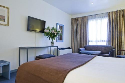 Aparthotel plaza espana voyages destination for Appart hotel madrid